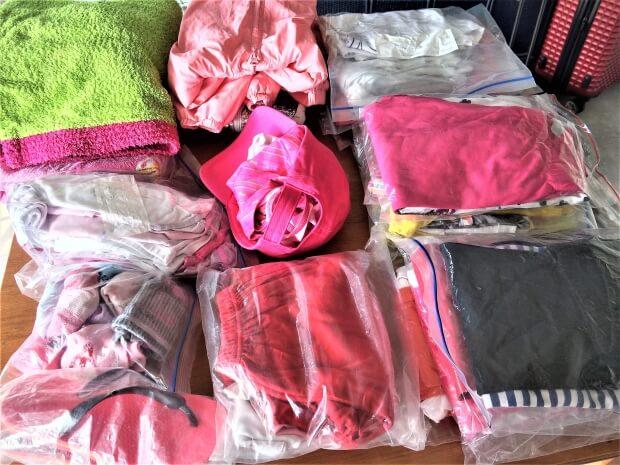 Όλα τα ρούχα της κατασκήνωσης
